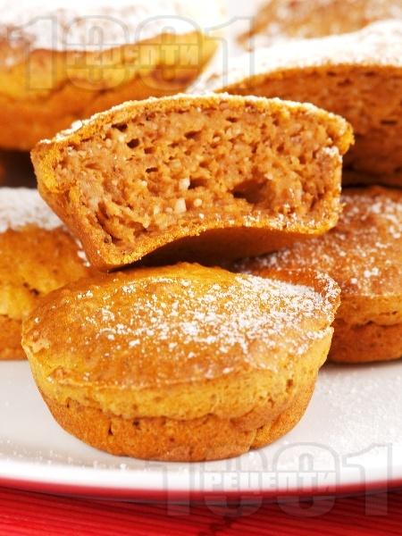 Кексчета с тиква и орехи - снимка на рецептата